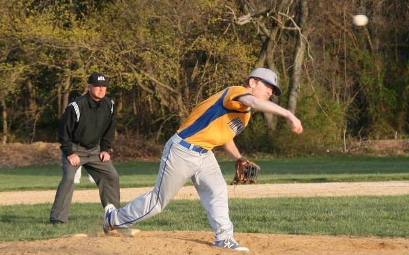 Owls cruise to doubleheader sweep
