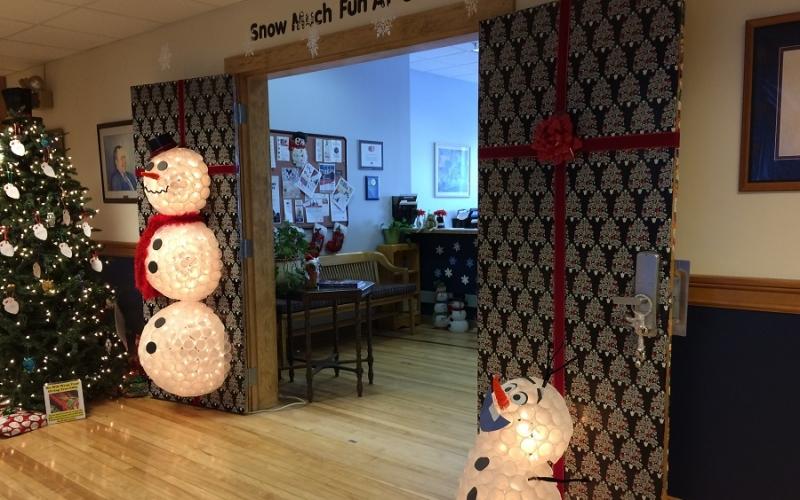 Holiday Door Decorating & Holiday Door Decorating | image Newsletter