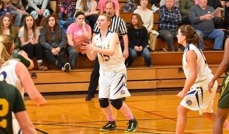 Owls Basketball Finishes Regular Season on High Note