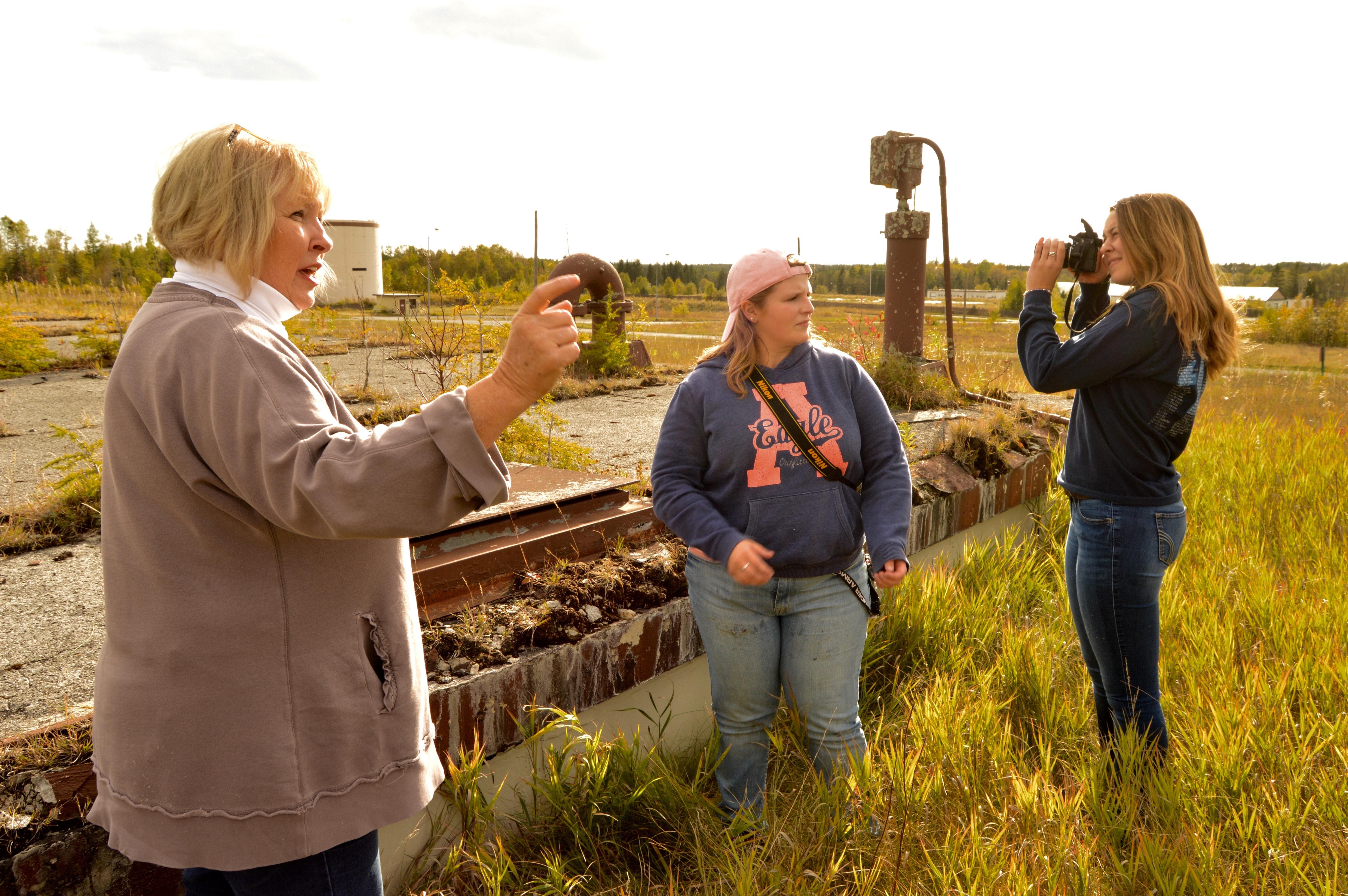 Carol Ayoob's photo class takes field trip