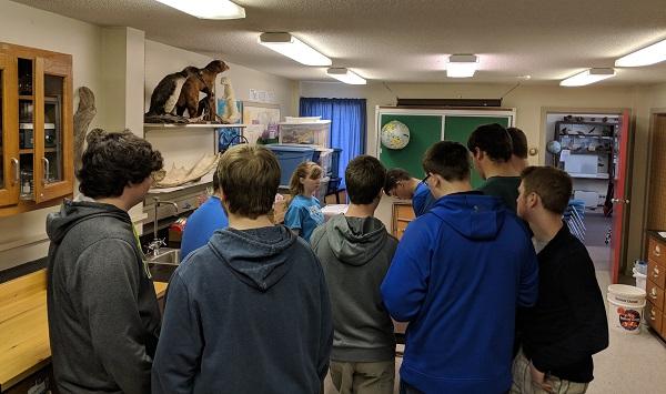 Bio-Med club visits science center