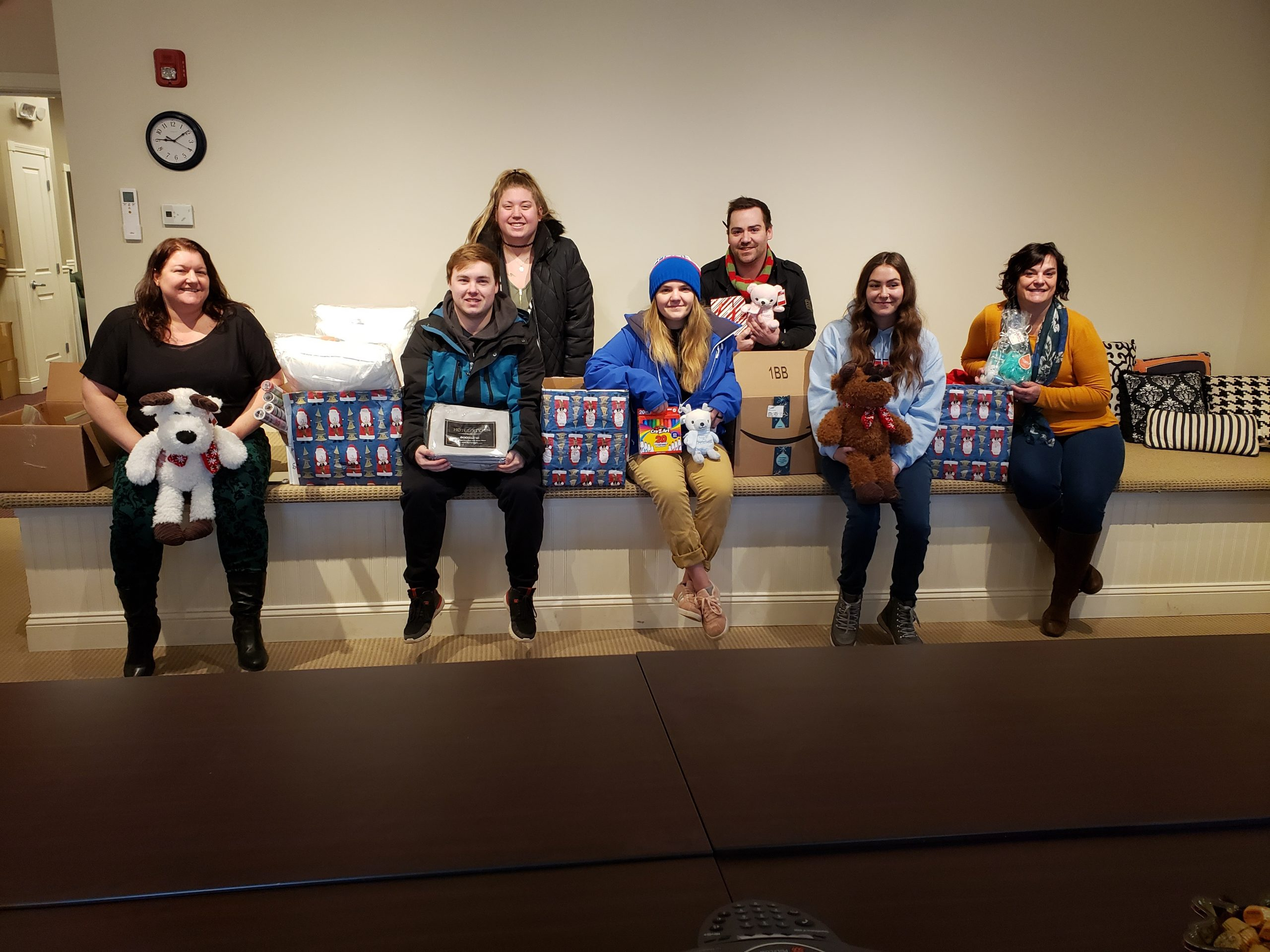 Students deliver holiday gifts